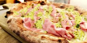 ricetta pizza con crema di pistacchio e mortadella